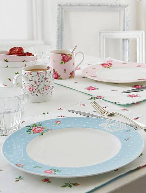 Polka Blue от Royal Albert